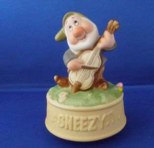 Schmid Sneezy Music Box Snow White Disney 5 Bisque