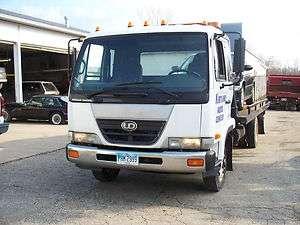 2005 UD 2000 Flatbed Tow Truck JerrDan steel slideback bed with wheel