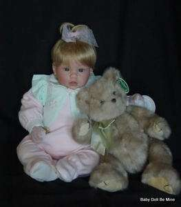 In Box Lee Middleton Artist Collection ♥ Little Posy ♥ 19 Doll