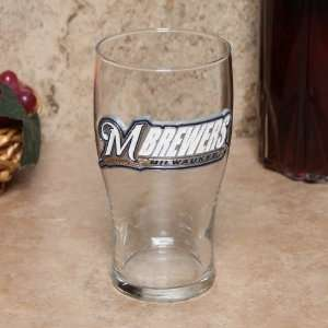 MLB Milwaukee Brewers 16oz. Pewter Logo Pub Glass: Sports & Outdoors