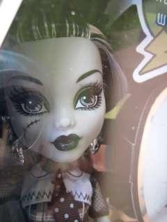 Mattel MONSTER HIGH FRANKIE STEIN SDCC Comic Con Limited Black & White