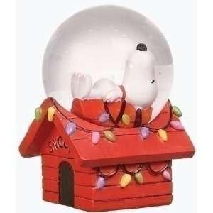 of 16 Peanuts Christmas Snoopy Snow Globe Glitterdomes