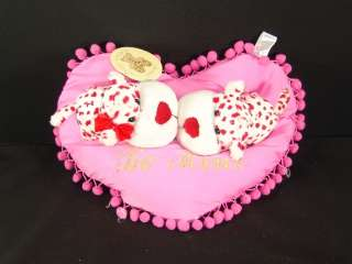 NEW VALENTINE MICROBEAD PINK PILLOW KISSING PLUSH LOVEY