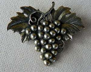 VINTAGE JAMES AVERY STERLING SILVER GRAPE LEAVES PIN BROOCH RARE