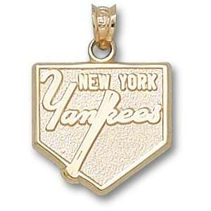 New York Yankees Solid 14K Gold Yankees Home Plate 5/8