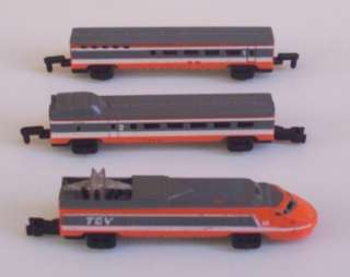 BULLET TRAIN Engine n 2 Cars +1 Free Car Micro Machines