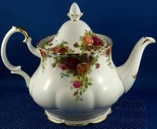 Large Royal Albert Old Country Roses Teapot Tea Pot