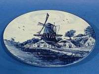 d551 Windmill and Farmhouse on 8¼ Delft Blue PLATE |