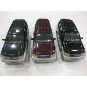 Diecast Toyota Land Cruiser Prada Series in a 1:32 Scale with Opening
