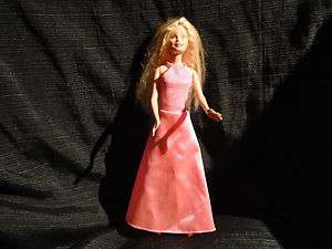 Barbie   1999 made in Indonesia (Long Pink dress)