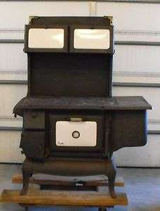 CAST IRON VICTOR WOOD BURNING STOVE/OVEN