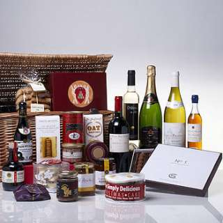 the gourmet gift hamper by whisk hampers
