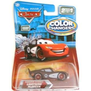 MCQUEEN Disney / Pixar CARS 2 Paint Jobs In 1 Vehicle (155 Scale