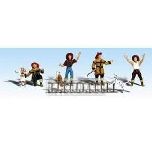 Woodland Scenics N Firemen o he Rescue WOOA2151 oys & Games