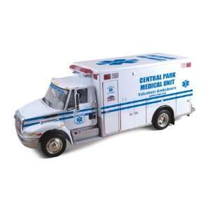 International DuraStar EMS Central Parl Rescue Truck Ambulance 1/34