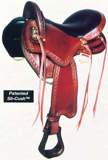 model. Low hanging front ring allows close contact with your horse